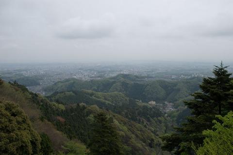 高尾山ケーブルカー駅付近の展望台