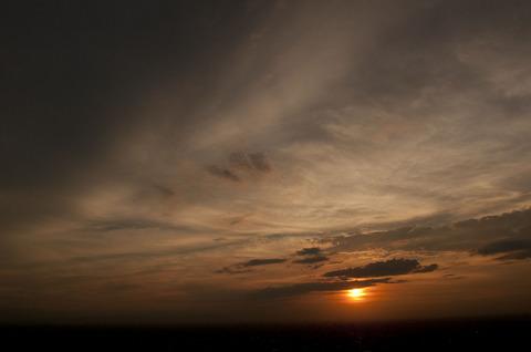 サンシャイン60展望台で夕陽を撮影
