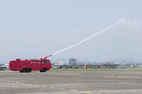 2012年 北宇都宮駐屯地祭 消防車放水デモ